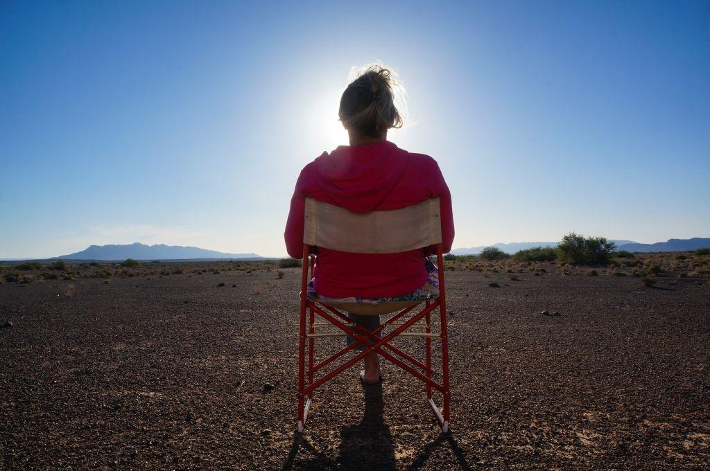 Lichtgestalt in der Wüste