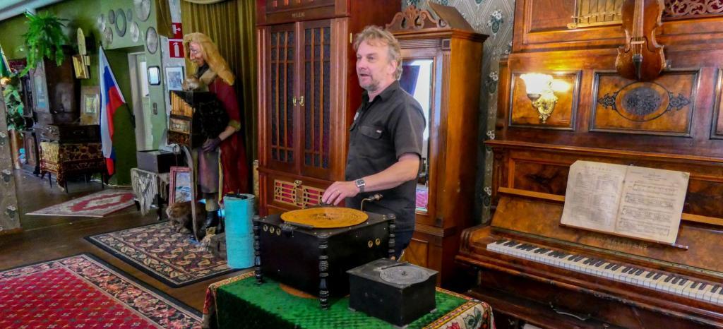 05 - Varkaus Musikmuseum - Plattenspieler