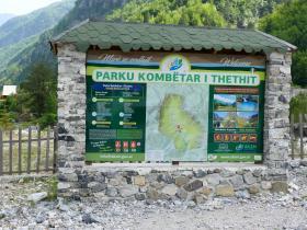 Theth - Landkartenmauer