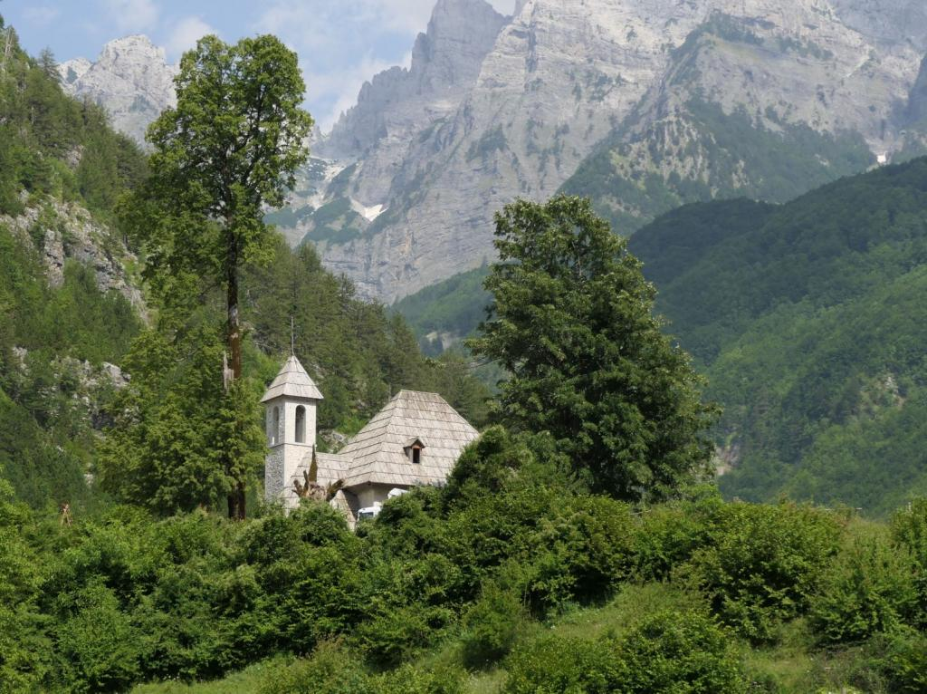 Theth - Kirche