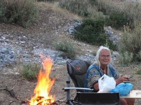 Übernachtungsplatz mit Lagerfeuer
